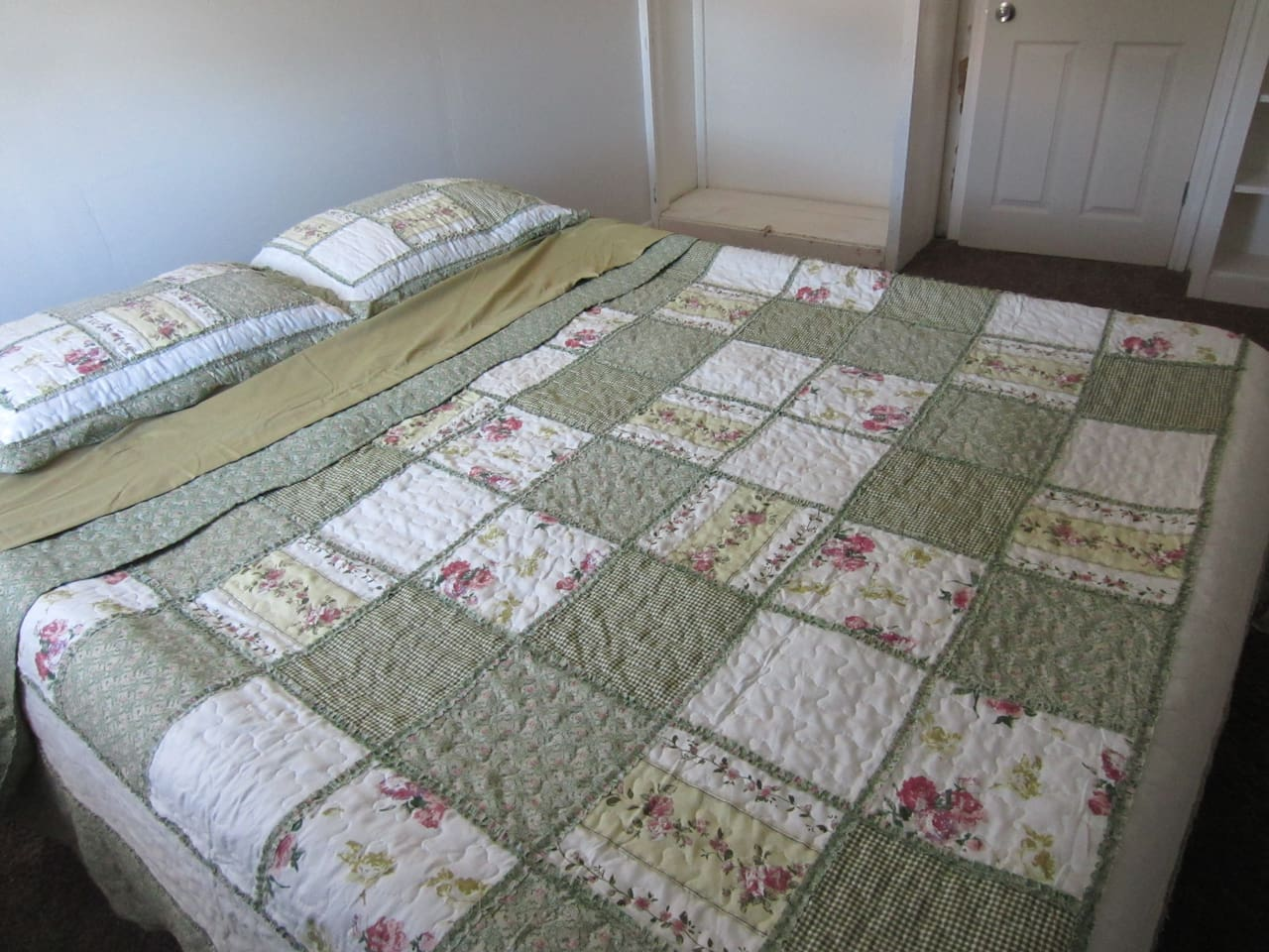 Air mattress in Upstairs Guest room 1