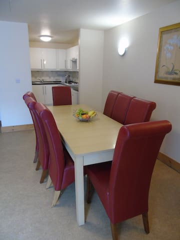 Large and Spacious 3 bedroom Apartment