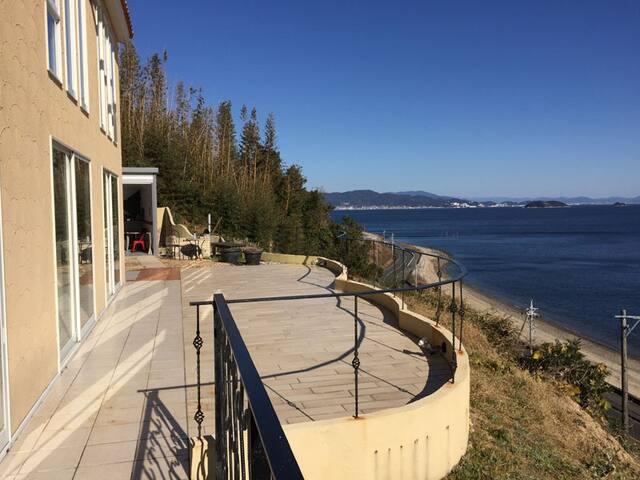 villa de sur mer/海辺の別荘