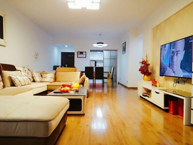 交通便利、干净舒适全五星民宿,带你一同体验长沙当地人的生活~ - Changsha - Apartemen