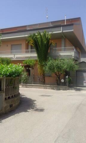 GRANDE APPARTAMENTO 300 METRI DAL MARE 8 POSTI LET - Tortoreto Lido - Wohnung