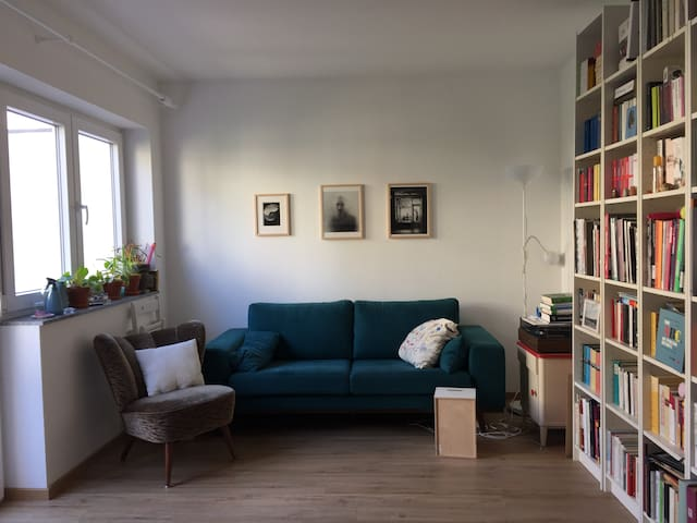 lovely and quiet apartment in Bornheim