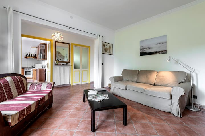 Luxury apartment in Villa I Due Padroni/ B&B - Montecalvo Versiggia - Lägenhet
