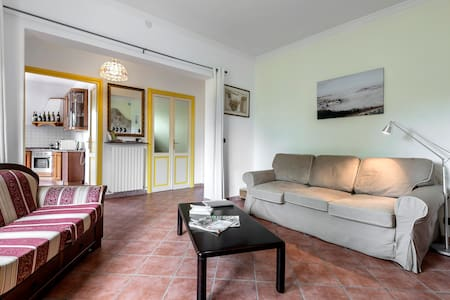 Luxury apartment in Villa I Due Padroni/ B&B - Montecalvo Versiggia