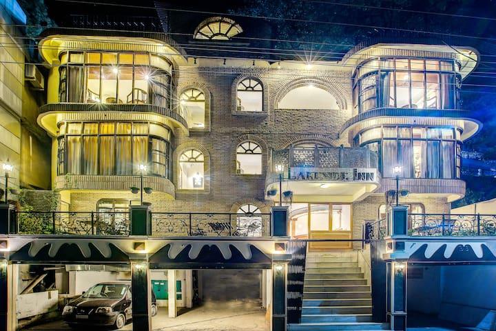 Premium stay @ Lakeside inn, mall road, nainital - Nainital - Bed & Breakfast