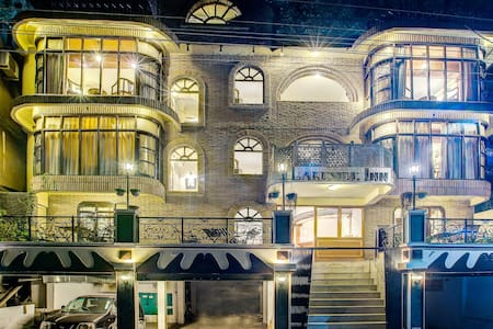 Premium stay @ Lakeside inn, mall road, nainital - Nainital