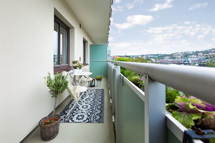 Central apt on 7th fl. with amazing view & balcony