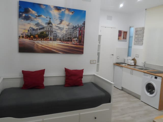 Apartment for 4 people. Madrid Center