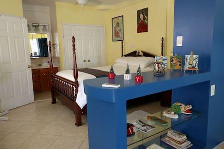 Belize - Cozy Studio Apartment  - Belize City - Apartmen