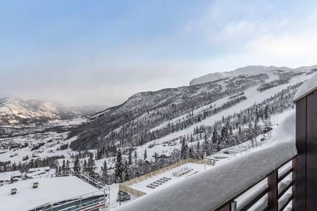 Skarsnuten panorama. Ski in ski out!