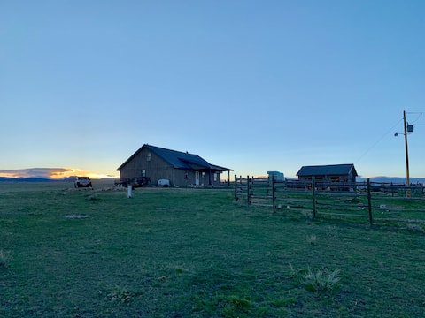 Large Loft on 50 acres  With Horses and Views