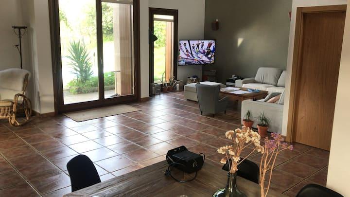 Casa con piscina en plena  naturaleza 20' Donostia