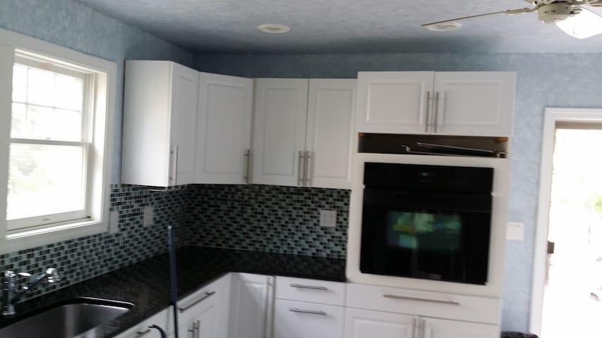 Recently Renovated 2 Bedroom Duplex