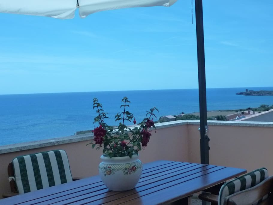 A sneak peek of your view, enjoy your tour!/Un assaggio della tua vista, buon tour a Casa Vela Meiga!