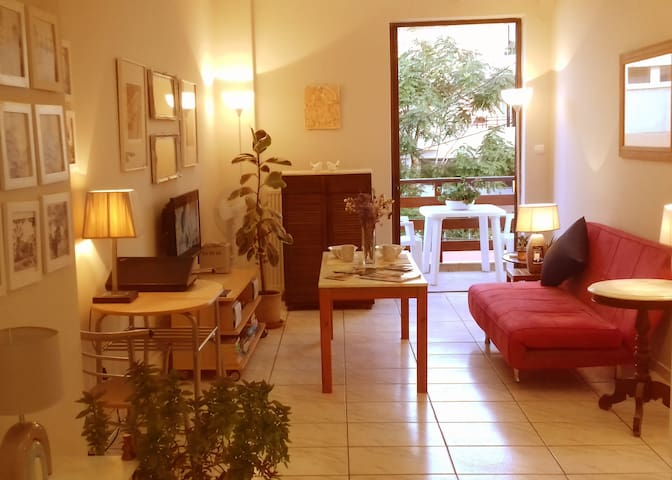 Awesome studio,  3mins to beach, cafes, Old Town