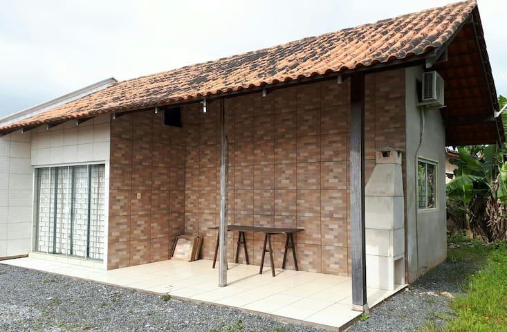 Casa de praia no Itaguaçu para 6 pessoas com ar