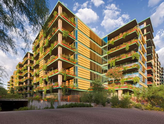 Beautiful 2 bedroom with concierges - Scottsdale - Appartement