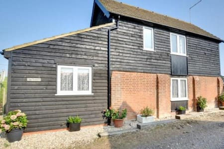 Cosy granary conversion on a working farm. - Kent - Guesthouse