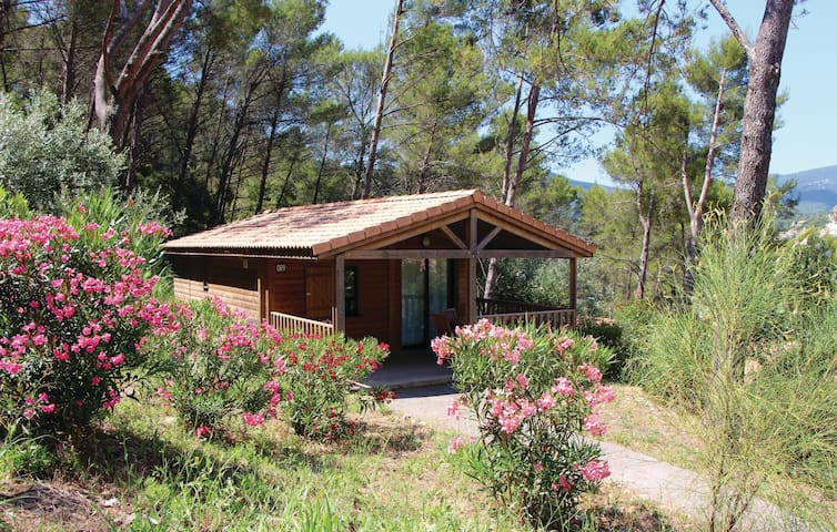 Holiday cottage with 1 bedroom on 35 m² in Solies-Toucas