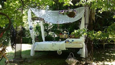 بيت غابة دافئ في الحديقة السحرية مع الساونا