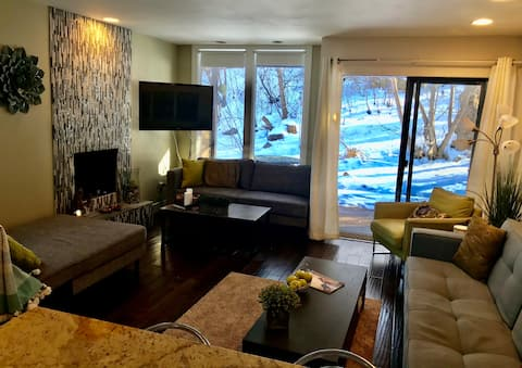 Townhouse in the Woods minutes to Pearl St and CU!