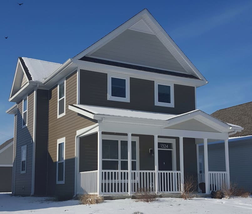 Almost brand new home, nearly 1700 square feet...3 bedrooms, 2.5 baths...the best amenities