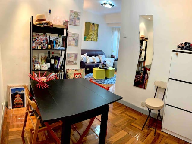 Chic Flat in Trendy Sheung Wan (Central District)
