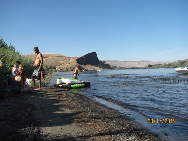 Beautiful river veiws on the Snake River