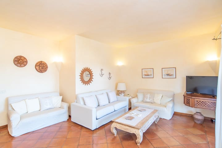 Holiday Home with Wi-Fi, Air Conditioning, Garden & Terrace; Parking Available