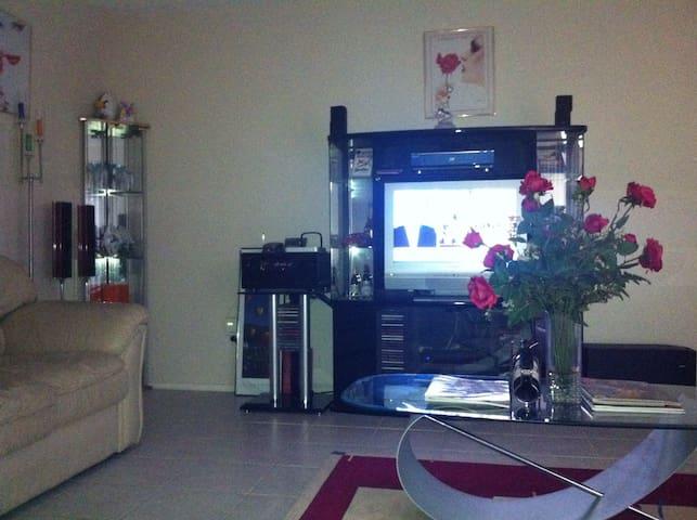 Beautiful, Cozy w/ Premium Entertainment System