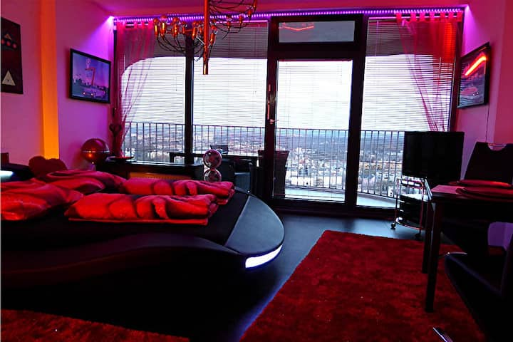 Sky-Romantic-Room in der 33. Etage Hotelturm