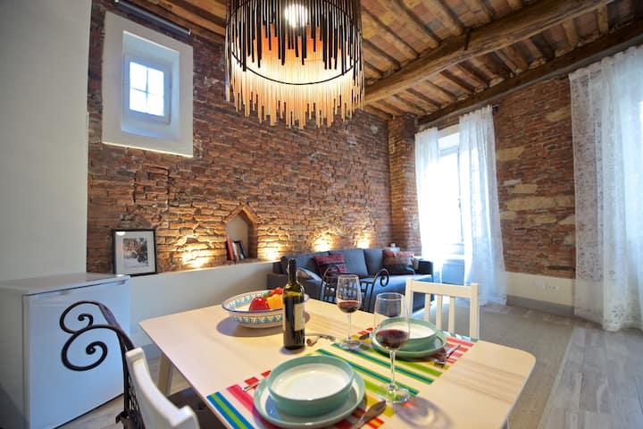 Casa Nora, charme e fascino antico in Lucca Centro