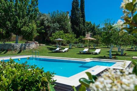 Villa Garden Paradise - Chania