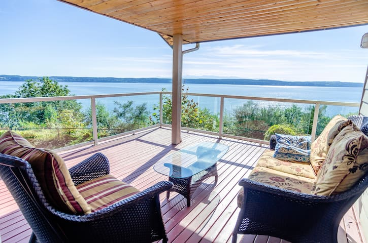 Sound Views from Camano Island Home - Camano Island - Hus