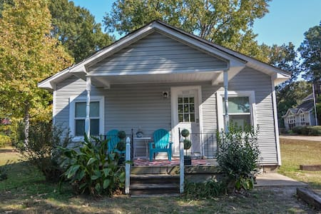 Charming Cottage in a great location - Jacksonville - Casa