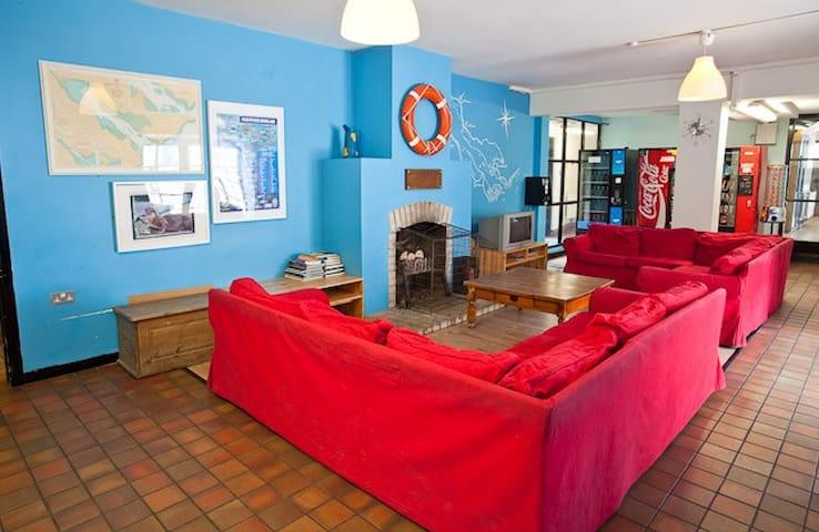 Carlingford Hostel Private Room Sleeps 6 (#03)