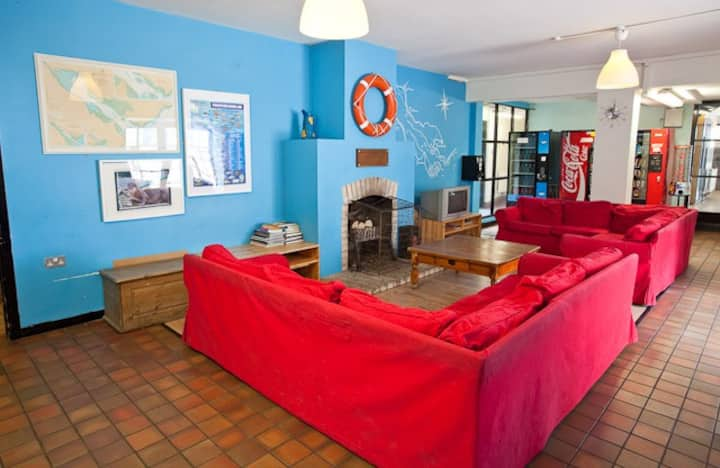 Carlingford Hostel Private Room Sleeps 6 (#03)