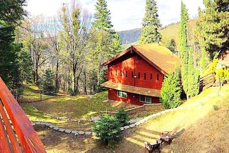Charming Wood Cabin near Big Bear - Running Springs