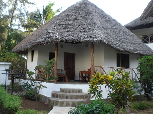 Bungalow only 200 metres to beach