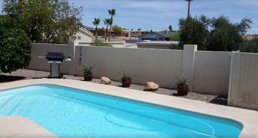 Spacious Private Home Pool and outdoor gaming area