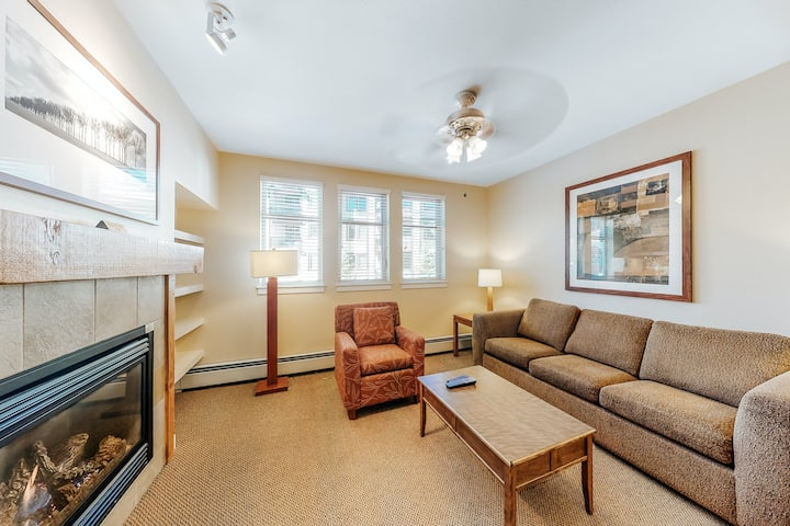 Inviting ski-in/ski-out condo w/ shared pool/hot tub & gas fireplace!