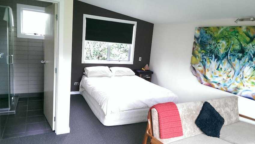 Retro Pad in Wanaka - Wanaka - Bed & Breakfast