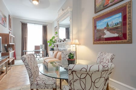 B Charmed in this Spacious Two Level Apartment