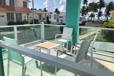 Newly remodeled beach house - quiet and secluded