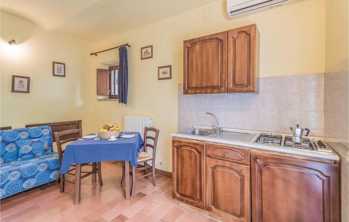 Awesome home in Castiglione d.Lago PG with 1 Bedrooms