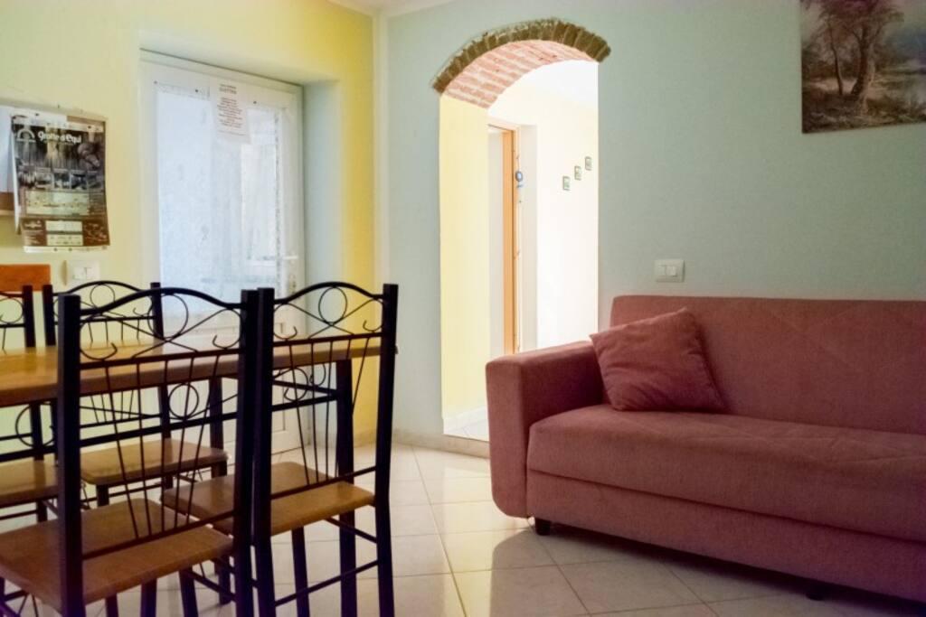 il divano - the sofa