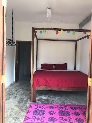 Tiger Villa Cinnamon Room / Midigama