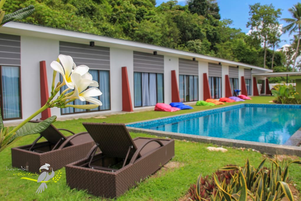 We provide two bean bags in each room so you can pull out and enjoy the wind and sun by the pool side.