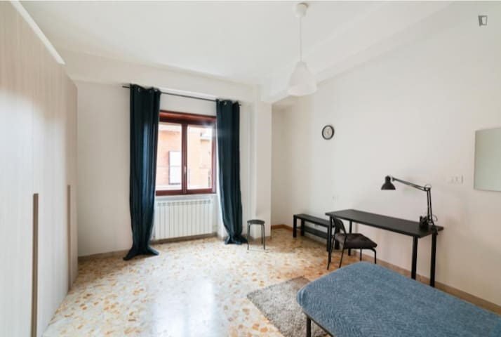 Comfortable furnished Room in Tor Vergata Rome