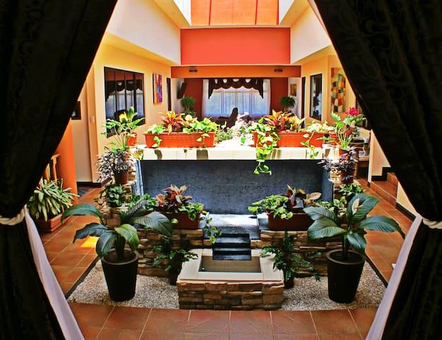 Luxury Villa in La Guaria - San Ramon